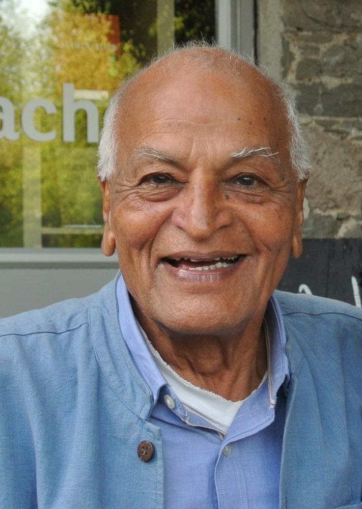 笑顔がすてきなサティシュ・クマール。彼をメンター(精神的指導者)と師事する人はたくさんいます。かく言う私(神崎)もその一人。